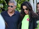 George Clooney a jeho snoubenka Amal Alamuddinov� na soukrom� akci v Malibu