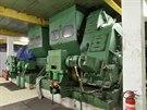 Převodovky a pohony dvojice původních, sovětských hlubinných eskalátorů....