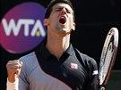 Srbský tenista Novak Djokovič se raduje po výhře ve finále turnaje v Římě.