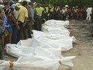 V hořícím školním autobusu v kolumbijském městě Fundacion zahynulo 31 dětí....