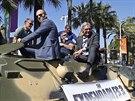 Hrdinové filmu Postradatelní 3 na tanku v Cannes