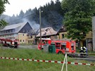 Rozsáhlý požár zachvátil v pondělí ráno rekonstruovaný hotel v Dětřichově...