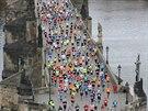 Trasa Pražského maratonu vede i přes Karlův most.