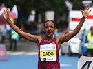 Firehiwoth Dadová z Etiopie coby vítězka Pražského maratonu