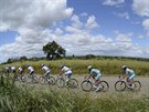 Cyklistický peloton na trati Giro d' Italia