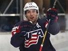 Americký hokejista Craig Smith slaví gól proti Kazachstánu.
