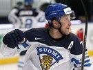 Leo Komarov z Finska slaví svůj gól.