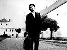 Scéna z filmu Jáchyme hoď ho do stroje (1974) - Luděk Sobota coby František