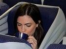 Šílený nápad, jak mít v letadle soukromí. Dan Noyberg a Gal Bulka jsou autory