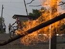 Plynov� potrub� nedaleko Slavjansku po�kodila palba z minometu (19. kv�tna...