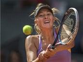 Maria Šarapovová ve finále na turnaji v Madridu, kde porazila Simonu Halepovou.