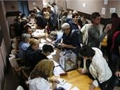 Obyvatelé Doněcké a Luhanské oblasti na východě Ukrajiny hlasují o budoucnosti