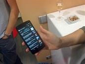 Mobilní telefon s Androidem lze přes Chromecast přepnout na velkou obrazovku.