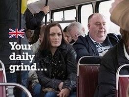 Další plakát euroskeptické Strany nezávislosti Spojeného království. Srovnává...