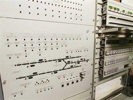 Nová technika původního zabezpečovače ARS zabezpečuje  část jednokolejné spojky...