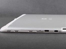 Tablet GoClever Aries 101 kombinuje b�l� a jakoby st��brn� plast.