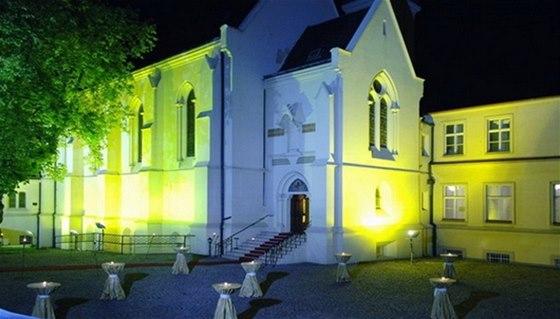 Příjemné piknikové zákoutí nabízí park Sacré Coeur v Praze