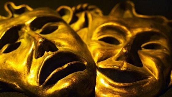 Divadelní festival je tradičně spojený s Nocí kejklířů a Slavností masek