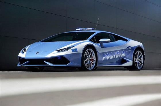 Nov� Lamborghini Hurac�n LP 610-4 ve slu�b�ch italsk� policie
