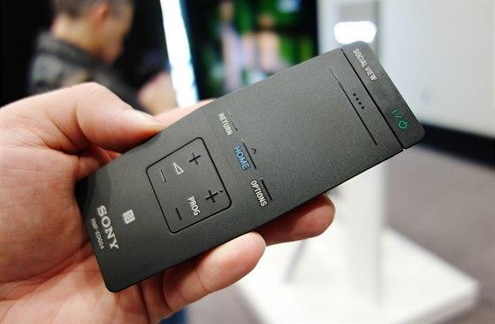 """Sony 4K: Nový """"One-Flick"""" dálkový ovladač."""