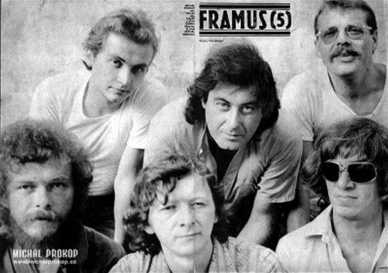 Sestava Framusu 5, která natočila Kolej Yesterday (nahoře zleva Jan Kolář,