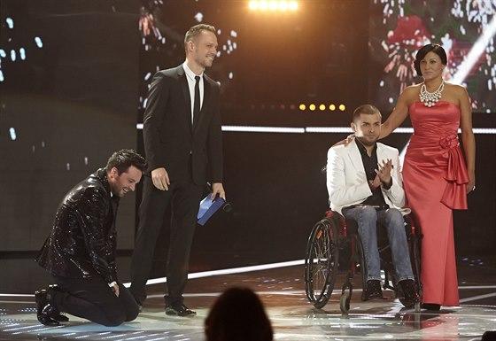 Fin�le sout�e X Factor - Peter Ba��k �el po vyhl�en� sv�ho jm�na do kolen