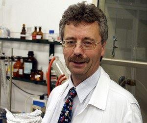 Peter Broske pracuje v Centru pro analytická chemická měření a testování, kde...