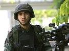 Thajský voják v ulicích Bangkoku. (20. května 2014)