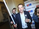 Volební lídr Luděk Niedrmayer slavil druhé místo TOP 09 v eurovolbách se...