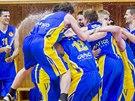 RADOST Z BRONZU. Opavští basketbalisté vyhráli na palubovce Pardubic a radují...