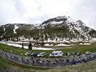 Peloton v 18. etap� cyklistick�ho Gira.