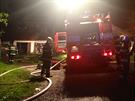 Při požáru rodinného domu v Zaječově na Berounsku shořela střecha, škody hasiči...