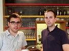 Zakladatelé brněnského projektu v kavárně Bistro Franz, která je jednou ze...