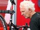 Mechanik Sandy dolaďuje před závodem Světového poháru v Novém Městě na Moravě