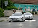Hybridn� modely Volkswagen XL1 jsou v dne�n�ch dnech k vid�n� v okol� Pr�honic...