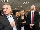 Napětí. Předseda ODS Petr Fiala (vpravo) čeká na výsledky s kandidáty do...