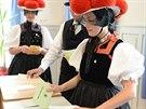 Ženy z německého Hornbergu přišly volit v tradičním oblečení (25. května 2014)