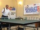 TOP 09 nechala do svého volebního štábu nainstalovat i pingpongové stoly....