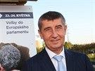 Šéf hnutí ANO Andrej Babiš přichází do volebního štábu. Hnutí před ním nechalo...