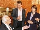 Sir Nicholas Winton s dcerou Barbarou a synem Nicholasem při návštěvě Prahy. (8. října 2007)