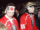 Dominik Hašek a Jaromír Jágr krátce po příletu z olympijských her v Naganu....