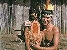 Před chýší, ve které jsem žil u indiánů Eceeje v roce 1973 na řece Madro de...