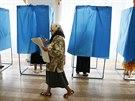 Volička s hlasovacímí lístky v Kyjevě (25. května 2014)
