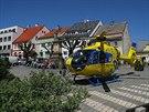 Přistání záchranářského vrtulníku na náměstí v Nové Pace (20. května 2014)