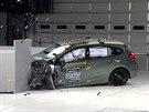 Americk� institut IIHS prov�d� crash testy na lev� p�edn� roh vozidel, kde jsou...