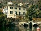 Vila Oleandra u jezera Como, kterou v roce 2002 koupil George Clooney.
