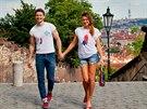 Martin Gardavsk� a Eva �er���kov� fotili kolekci inspirovanou �eskou vlajkou v...