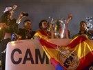 Fotbalisté Realu Madrid se radují z triumfu v Lize mistrů.