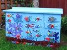 Z nejrůznějších kousků a součástek si za pomoci barvy vytvoříte ze staré