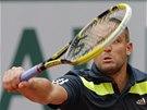 ZARPUTILOST. Ruský tenista Michail Južnyj bojuje na Roland Garros proti Radku